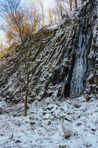 Eis an der Steilwand der Bacher Lay