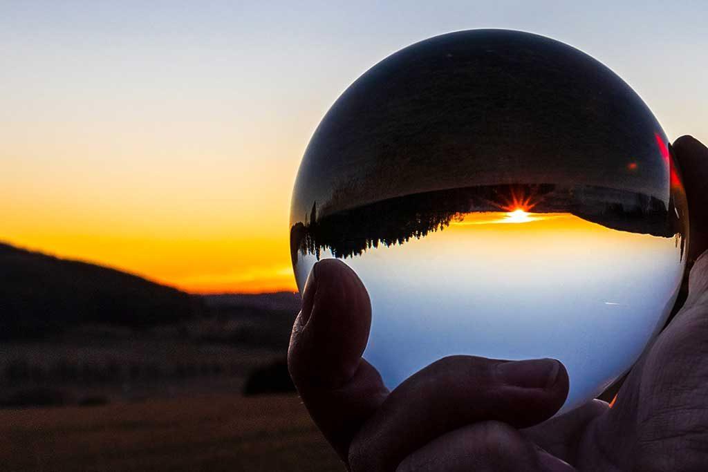 Sonnenuntergang mit Kopfstand