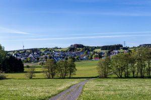 Blick auf Hellenhahn-Schellenberg