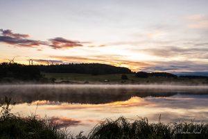 Breitenbach-Talsperre vor Sonnenaufgang