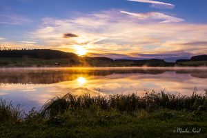 Breitenbachtalsperre bei Sonnenaufgang