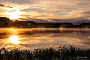 Breitenbachtalsperre nach Sonnenaufgang